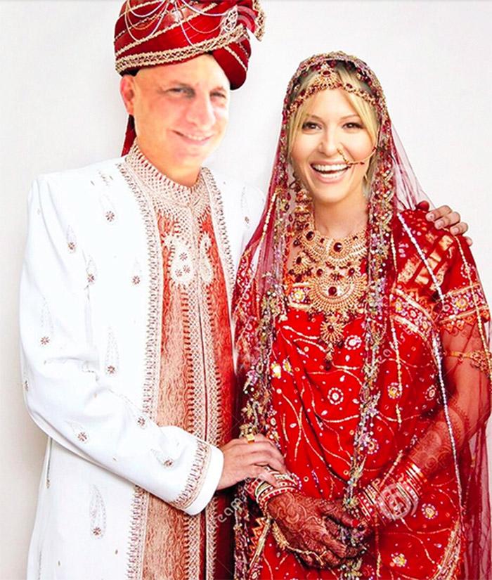Fotoğraf temsilidir.Hindistan macerası öncesi arkadaşlarımızın bize bir photoshop sürprizi.